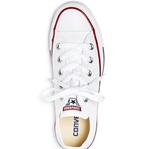 White low top chuck taylor converse